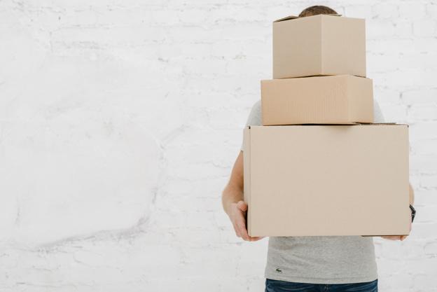 cách tìm thùng carton miễn phí tại cửa hàng rượu
